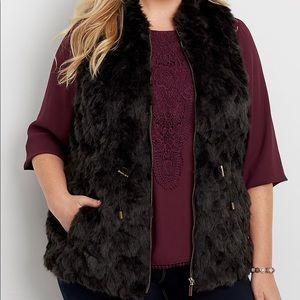 plus size thick knit vest with faux fur front